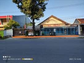 Tanah + Toko + Gudang + Rumah Strategis di Jl raya weru