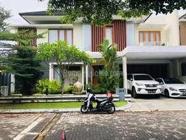 Rumah Mewah Ada Kolam Renang Pribadi Perumahan Bale Mulia