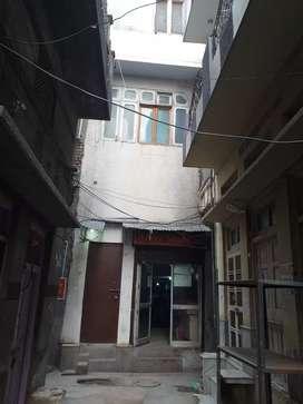 65 gaj shop near golden temple hotel bhi ban sakte h 4 manjil