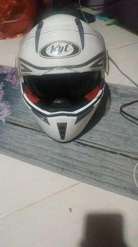 Helm full face KYT UK L