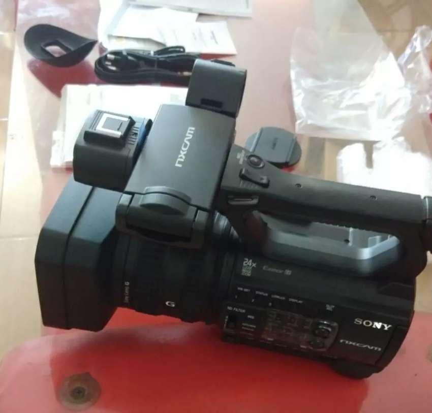 Kamera sony nx100 masih baru... Murah 0