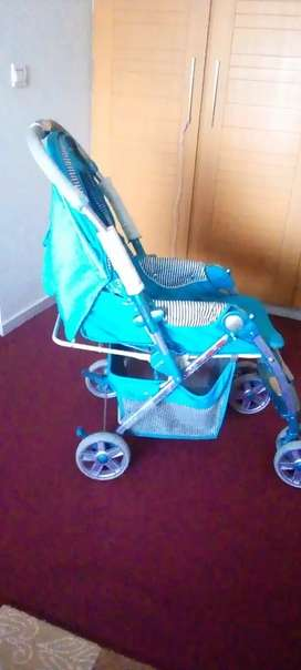 Blue color multi functional pram almost new, only 1 month used