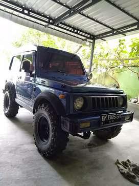 Dijual mobil katana tahun 2002 warna biru bisa nego gan