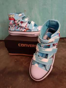 Sepatu Toys Story