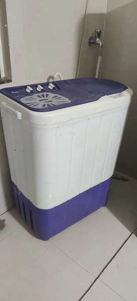Whirlpool semi automatic 6 kg top load