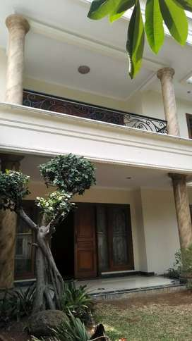 Jual Rumah Cantik Cipete, Swimming Pool, Harga Terjun Payun dan Nego