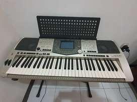 Yamaha PSR 2000