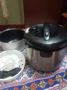 electric cooker .