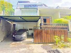 Rumah sangat elegan dan cantik dekat jEC lingkungan strategis