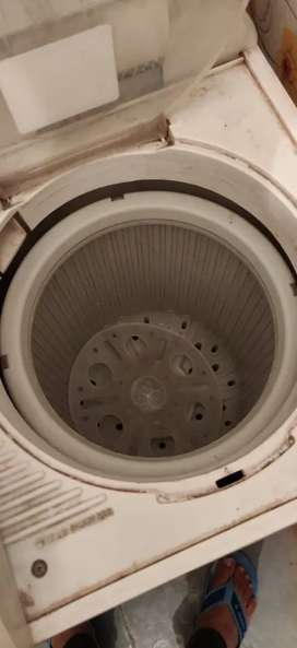 Washing Machine for sale (Good Working Condition)