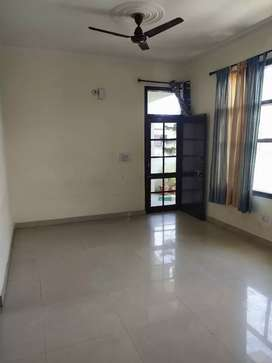 To let sunny enclave