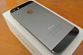 Apple Iphone 5s Space Grey 16gb in clean condition wid all accessories