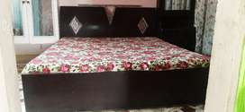 Urgent sell Double Bed full size & Dressing Table