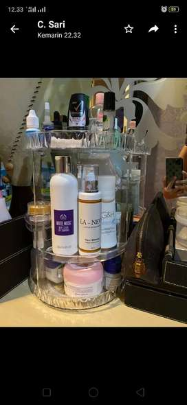 Rak Kosmetik acrylic