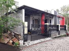 Rumah di Taman Griya Indah Manembo-nembo