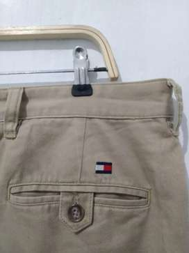 Forsale tommy hilfiger chino
