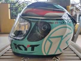 Helm KYT R10 size L (XL/XXL bisa masuk)