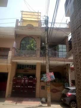 Home 100 sqyd,three floor,in Dayanand colony Gurgaon