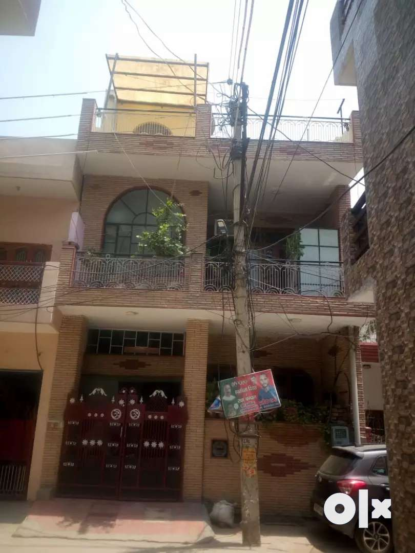 Home 100 sqyd,three floor,in Dayanand colony Gurgaon 0