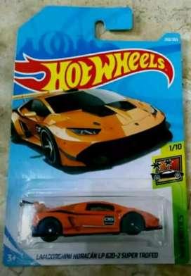 Hot Wheels Lamborghini Huracan LP 620-2 Super Trofed