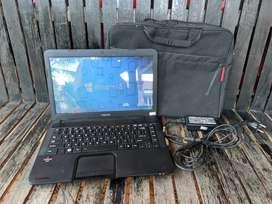 Laptop Toshiba Ram 4 gb Hardisk 500 gb