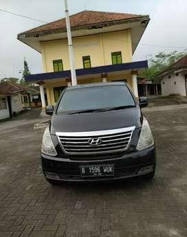 Hyundai H 1 bagus istimewa