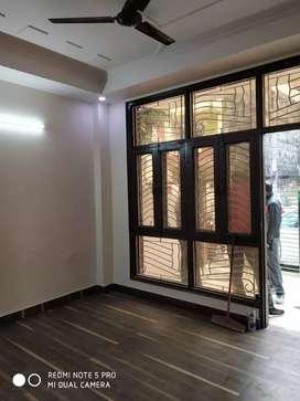 Urgent rent out 3 bhk floor indirapuram gZb