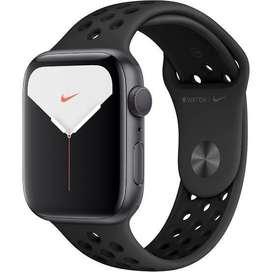Apple watch series 5. Nike plus 44mm GPS