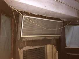 SANYO RAYDAN JAPAN MADE SPLIT AC