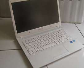 Leptop samsung 370 R
