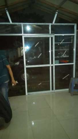 Pintu slading kaca polos
