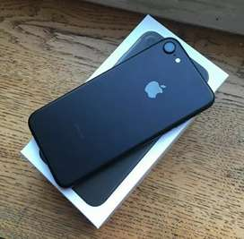 I phone 7 black color 128gb available 999o276134