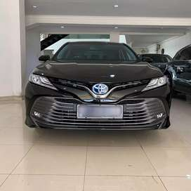 Toyota Camry Hybrid thn 2019 LOW KM!