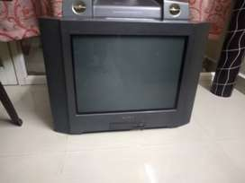 Sony TV aged 13 years in excellent condition
