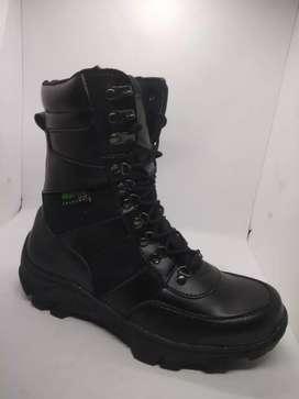 Sepatu pdl safety hitam 511