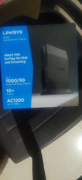 Linksys E5600 WiFi 5 router