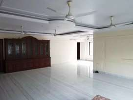 4 BHK Luxurious Flat* for Rent/Sale Near *SOUTHERN Avenue