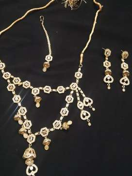 Chaina gold set very beautiful
