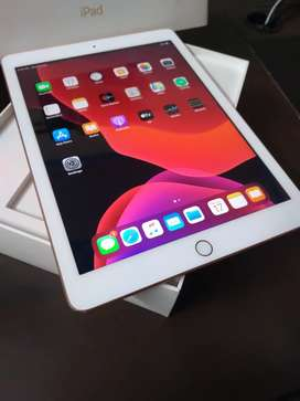 iPad 6th generation 32gb,wifi Rose Gold Mint Condition With Bill Box