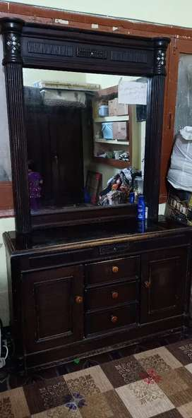 Dressing Table & Divider