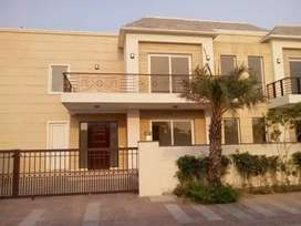 7.5 Marla F/F & S/f For Sale in Sector 22