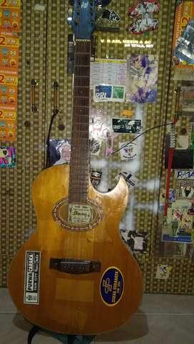Jual gitar bekas