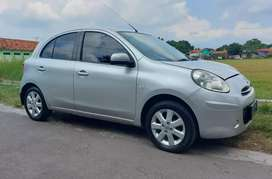 Nissan March Matic 2012