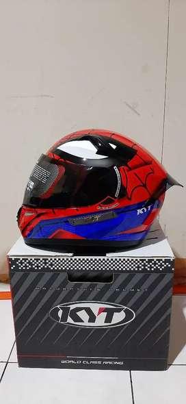 Helm kyt spiderman ukuran L black visor dan spoiler cod kemang antasri