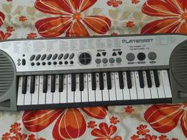 Casio with 100 tones and rhythms