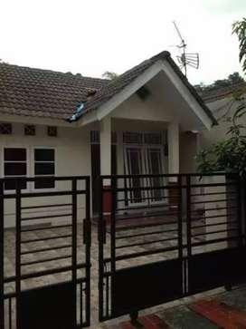 Rumah siap huni daerah pamulang lokasi bebas banjir aman dan nyaman