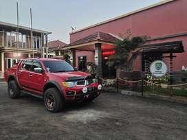 Jual mitsubishi strada triton Exceed AT matic  type ABS 2011 istimewa