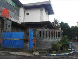 DIJUAL Gudang / Workshop Wisma Lidah Kulon