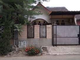 Jual Rumah 2 lantai, 2 Kamar, Include Garden/Kitchen Set, di Serpong