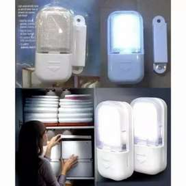 Lampu LED lemari otomatis